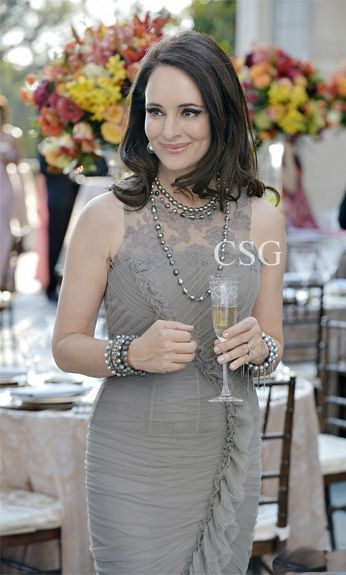 """Revenge Style & Fashion: Madeleine Stowe, as Victoria, wore this Vera Wang Gown sent to the set especially for her on 'Revenge' season 2 episode 6 """"Illusion"""""""