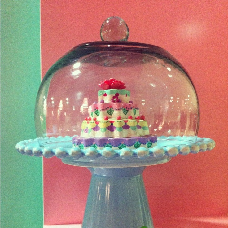 Small cakestand by Marie Antoinette, que coman pastel