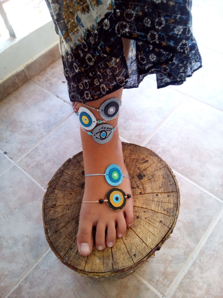 round leathers evil eye beach jewelry bracelets, various colours for you to choose, handpainted assembled beach accessories by mademeathens #evileyebracelets