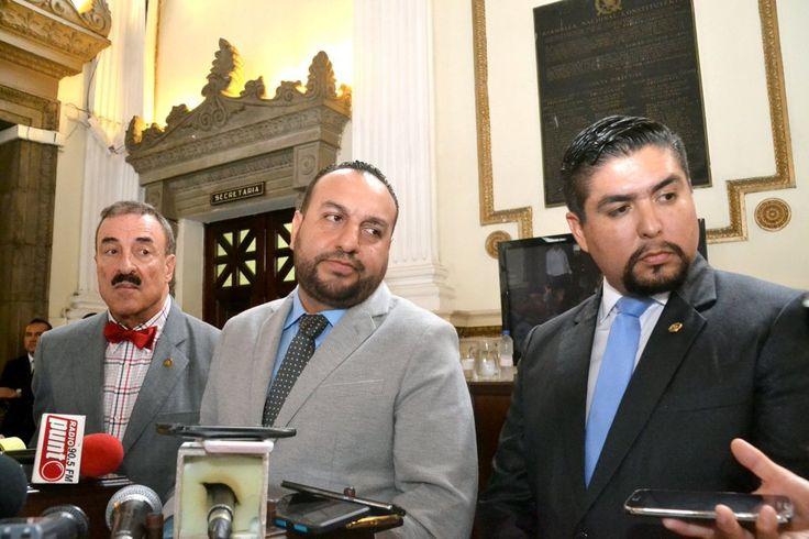 Tres de los cuatro legisladores que realizaron el convenio con la empresa Barnes & Thornburg se niegan a dar nombres de los financistas.