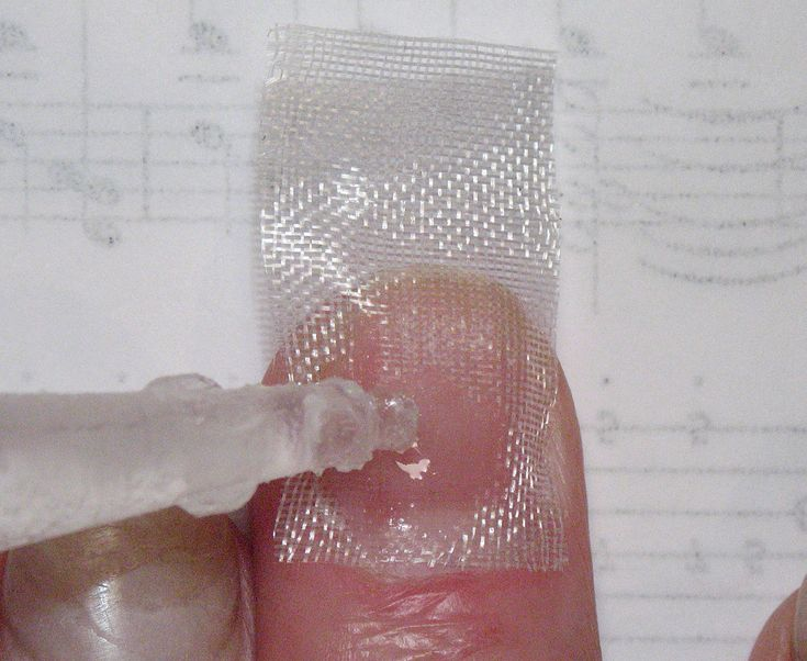 Fiberglass nails are also known as silk wraps, and are used to make natural or artificial nails stronger.