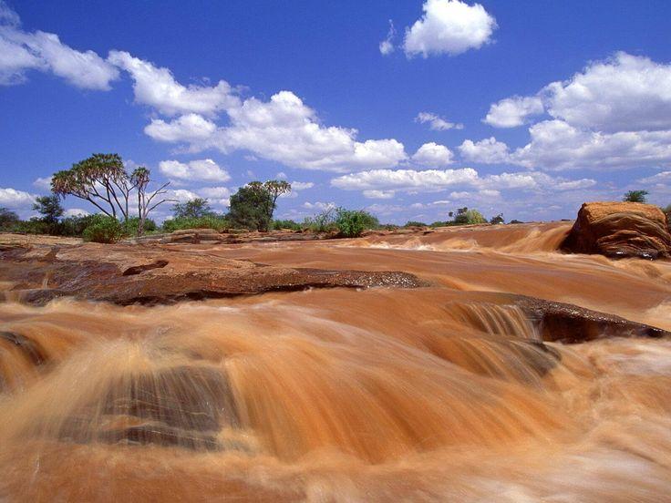 Lugard falls Galana river - Tsavo east park