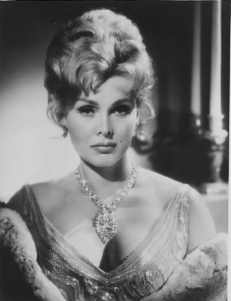 Zsa Zsa Gabor - I never hated a man enough to give him diamonds back.