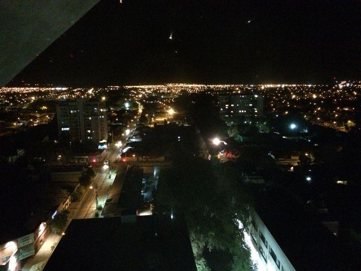 Vista nocturna de Los Ángeles, VIII Región, Chile