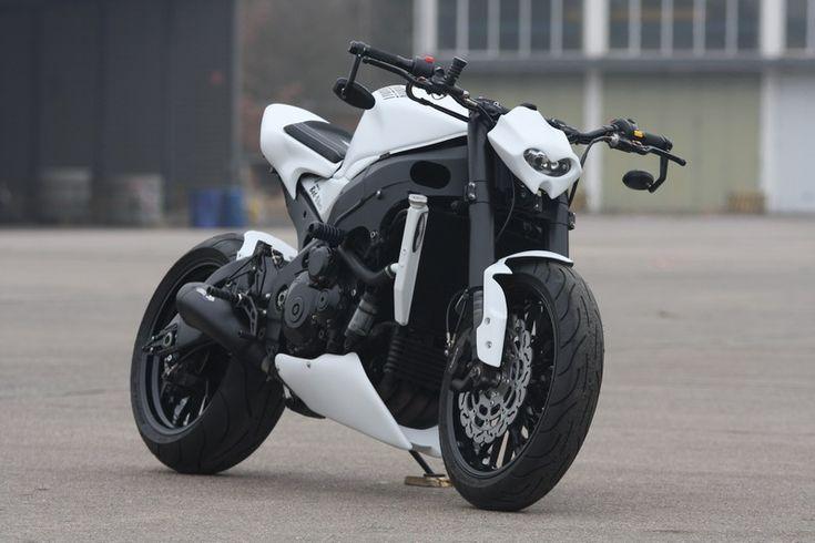 "Suzuki GSX-R 1000 ""White Shorty "" by Bad-Bikes - via Racing Cafe'"