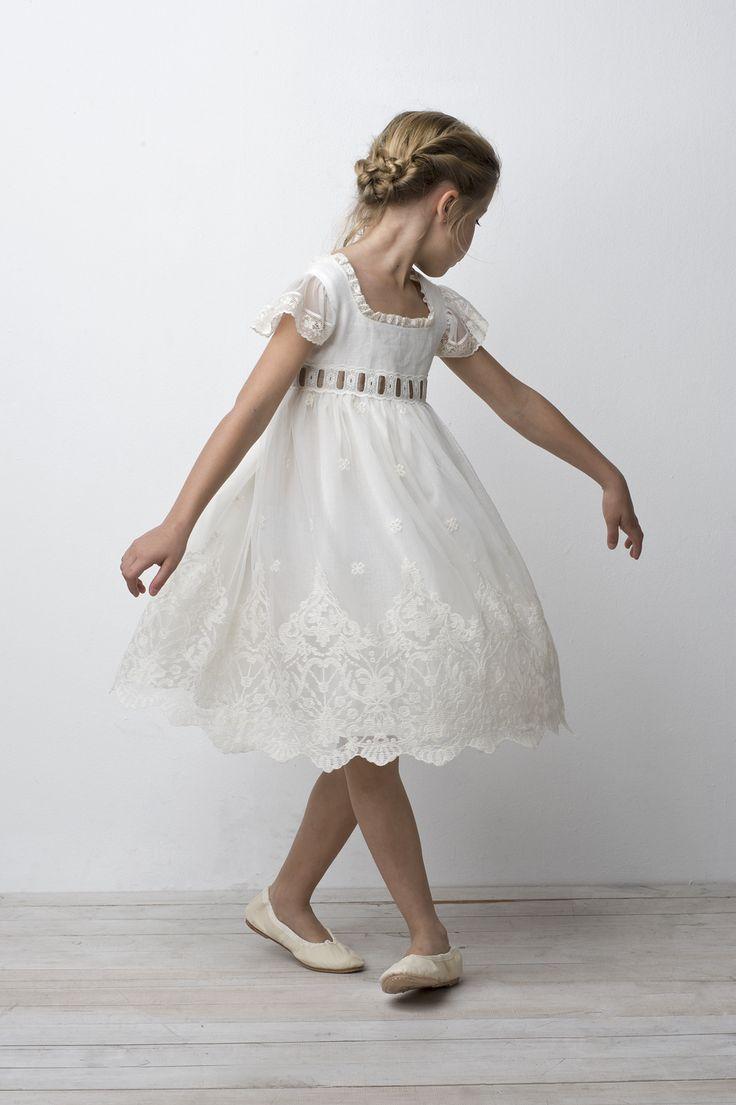 Saint Claire. Beautiful clothes!