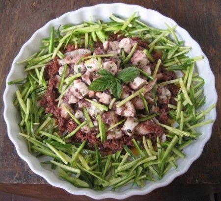 Insalata di polpo con zenzero e zucchine