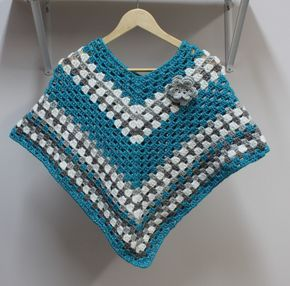 This cozy girls poncho will make a great gift to makefor a sweet girl! Poncho crochet PATTERN by Little Monkey's Designs http://littlemonkeysdesigns.com/product/crochet-pattern-girls-poncho-with-flower/