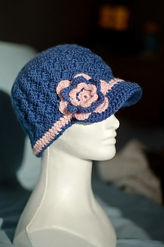 Ravelry: Brimmed Shell Stitch Hat With Flower pattern by Jessica Bie
