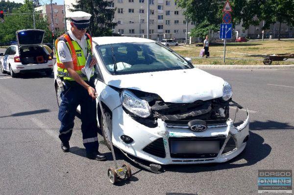 Ford - BMW baleset Miskolcon