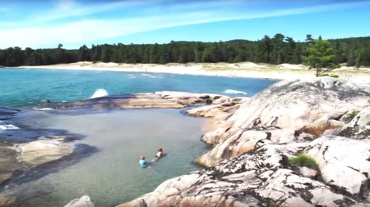 This Beautiful Hidden Island Is One Of Ontario's Best Kept Secrets -Bathtub Island is one of those places that you discover by accident. It's a little slice of heaven in Lake Superior Provincial Park, which is just a few hours north of Sault Ste Marie.