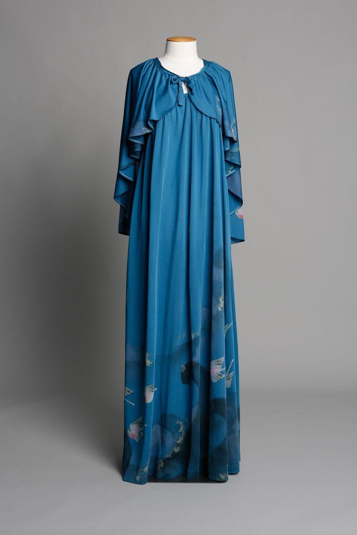 Custom made full-length dress & cape DATE: 1976 LABEL: Susan Holmes