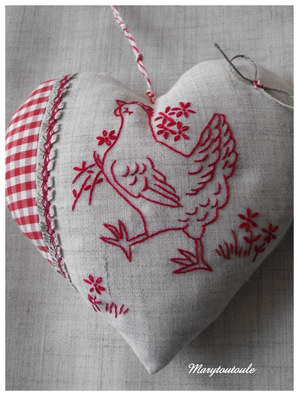Embroidered heart. Poule by Marytoutoule.