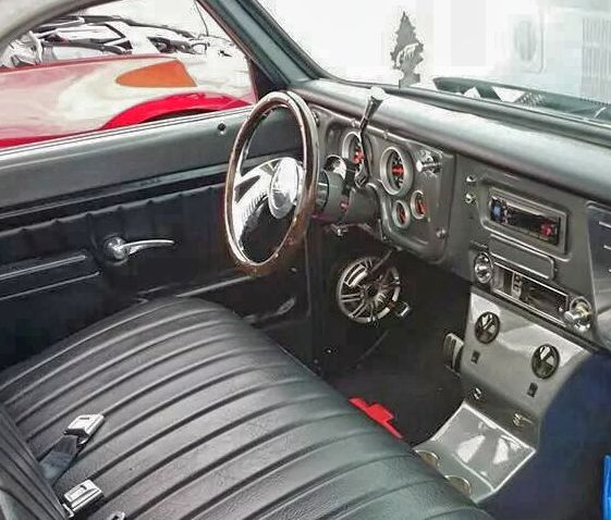 70 Chevy C10 72 Chevy C10 Bench Seat Console