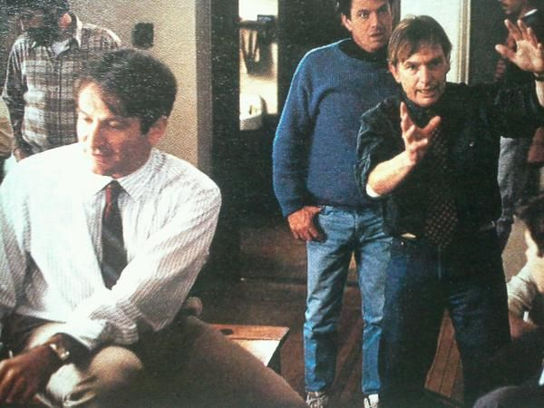 best dead poet society images dead poets society  robin williams peter weir on the set of dead poets society