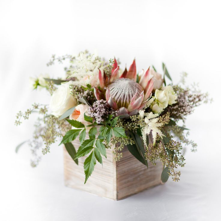 King Protea Centerpiece – Pops of Plum