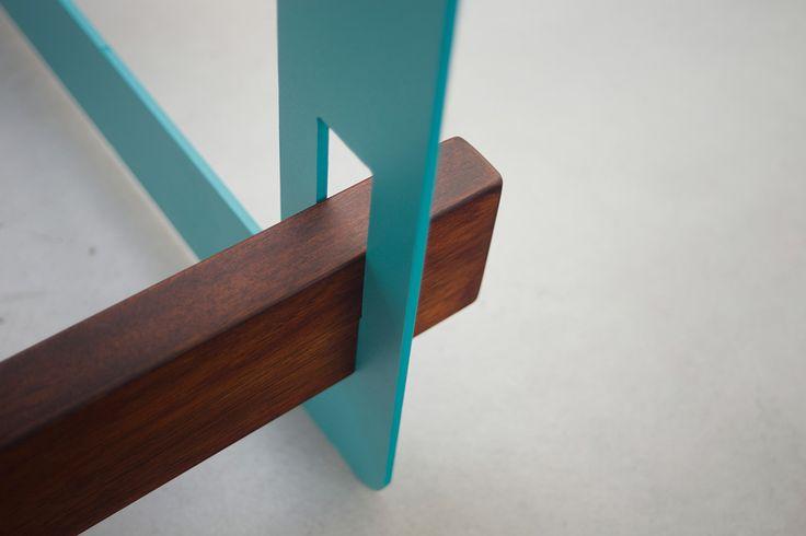 Bureau 1020 Desk System, noyer et métal vert turquoise thermolaqué, #Desk #Bureau