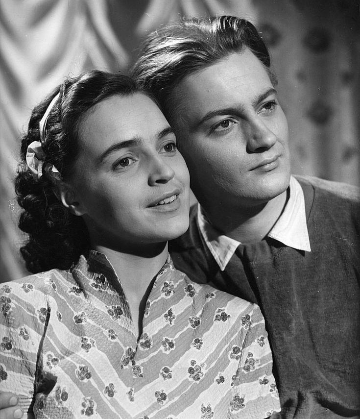 Leena Häkinen ja Jussi Jurkka *ja Helena soittaa* 1952