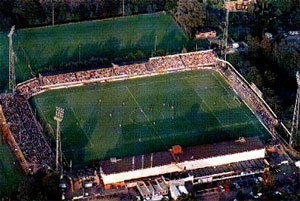 Het oude stadion Heerenveen, Sportpark Noord. Aller eerste wedstrijd ooit in dit stadion. Vele jaren seizoenkaarthouder. Te veel hoogte punten om op te noemen. Maar memorabel is 2-0 winst op Emmen en daarna voor het eerst promotie naar eredivisie.