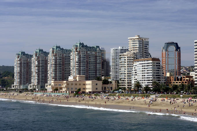 Crowds enjoy a sunny holiday at popular beach resort, Vina del Mar