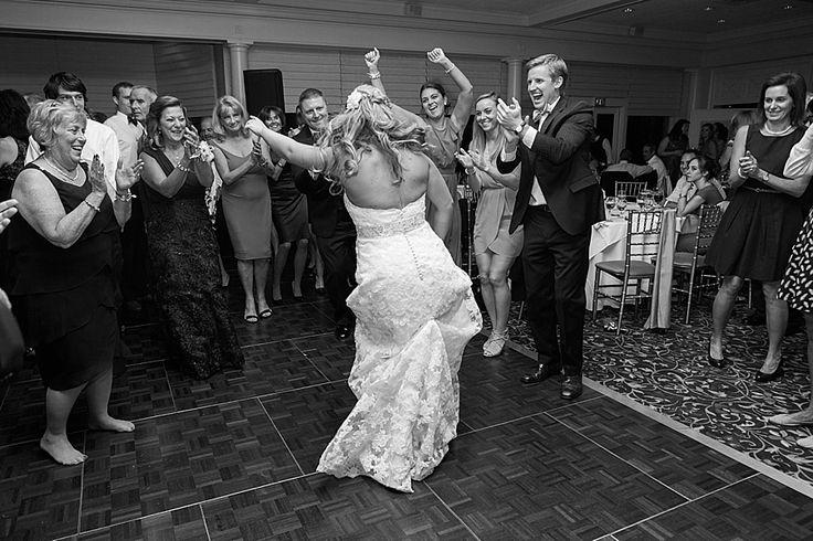 Hampshire Country Club wedding   © Nicole DeTone Photography