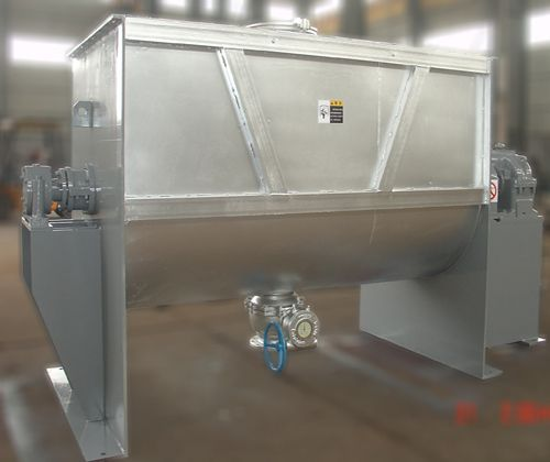 Blender with Trough Built for Heavy Duty