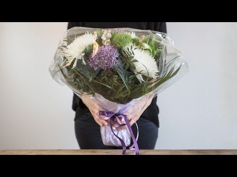 DIY: How to wrap a bouquet of flowers (2) by Søstrene Grene - YouTube