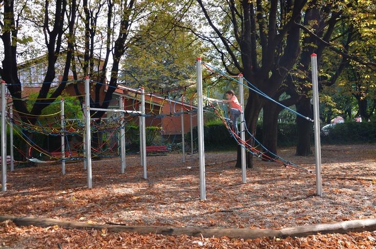 parco giochi Grottino Bellinzona  http://parchigiochiticino.blogspot.ch/2012/09/parco-giochi-grottino-bellinzona.html