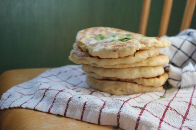 Naanbrød med kvitlauk og koriander – Indisk veke, dag 2