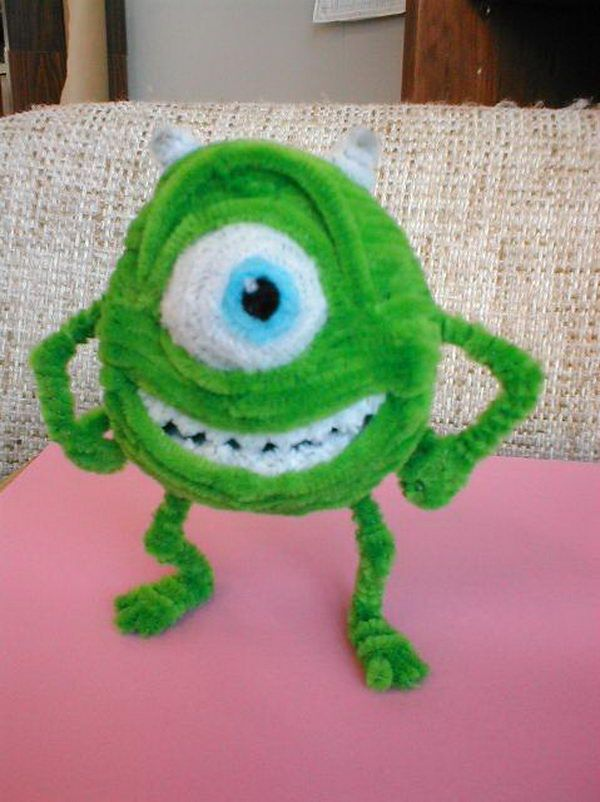 Monsters INC - 80 Cool Pipe Cleaner Crafts, http://hative.com/cool-pipe-cleaner-crafts/,