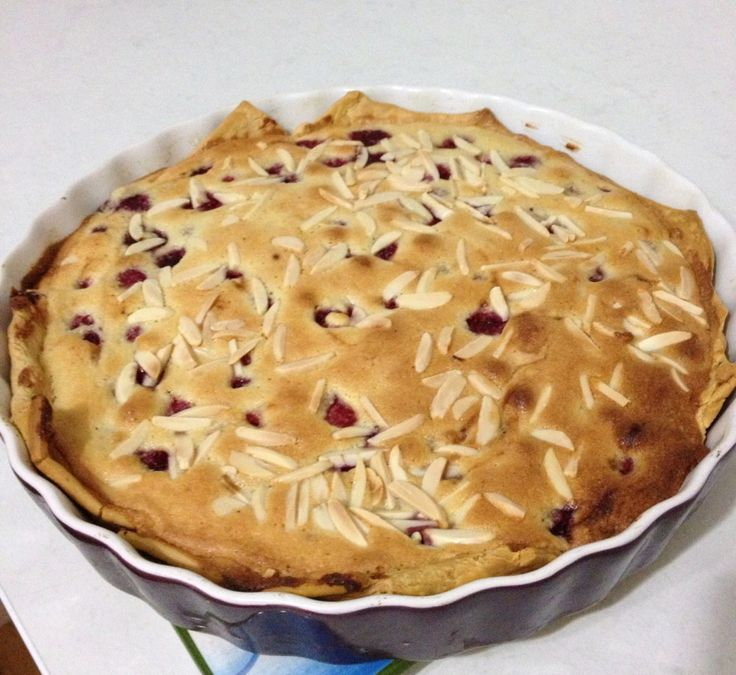 Raspberry and Almond Tart Recipe http://styleunearthed.com/raspberry-almond-tart/