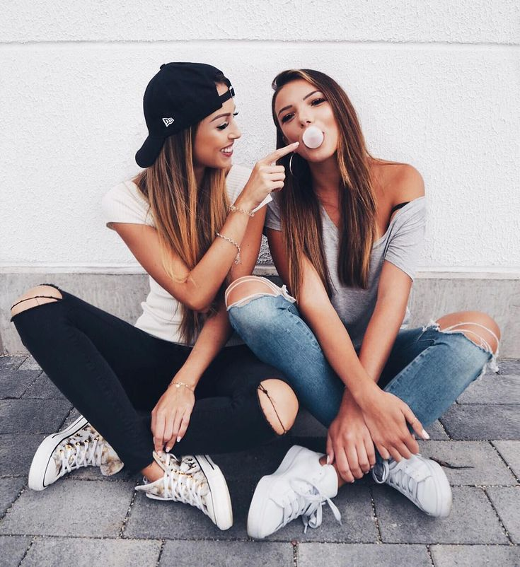 Always funny with you @ckluisa ❤️ – Tom Bee
