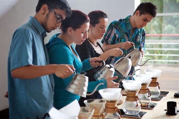 Und für echte Kaffeeliebhaber bieten wir natürlich auch Zubehör an, mit welchem ihr den perfekten Kaffee zubereiten könnt! Ein echtes muss! http://www.thecoffeequest.de/?product_cat=old-school