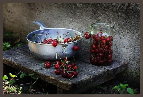Adore this shot.: Simple Beautiful, Living Luscious, Summer Fruit Photography, Luscious Red, Life Inspiration, Country Living, Photography Wallpapers, Country Life, Life Photography