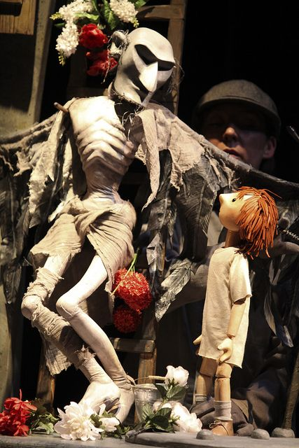 A Very Old Man With Enormous Wings - Kneehigh Theatre Saw this show at Falmouth University, followed by a workshop with Rachel Wright. Stunning puppetry with a heartbreak and heart-warming storyline.