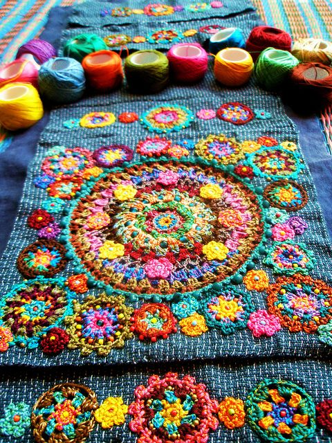 Beautiful! From Alma Chita's favorite photos and videos. There is a load of other beautiful crocheted crafts posted here. Simply gorgeous!!
