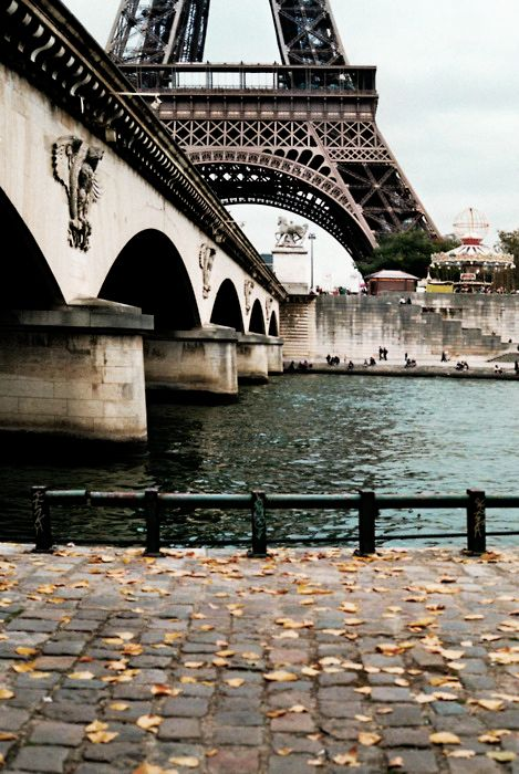 View on the Ieana Bridge and the Eiffel Tower, from Port Debilly / Debilly Harbour, Paris XVI