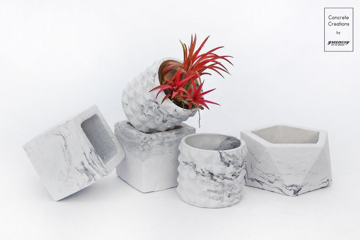 Concrete pots in marble effect #greenery #concrete #plants #marble #design #greece