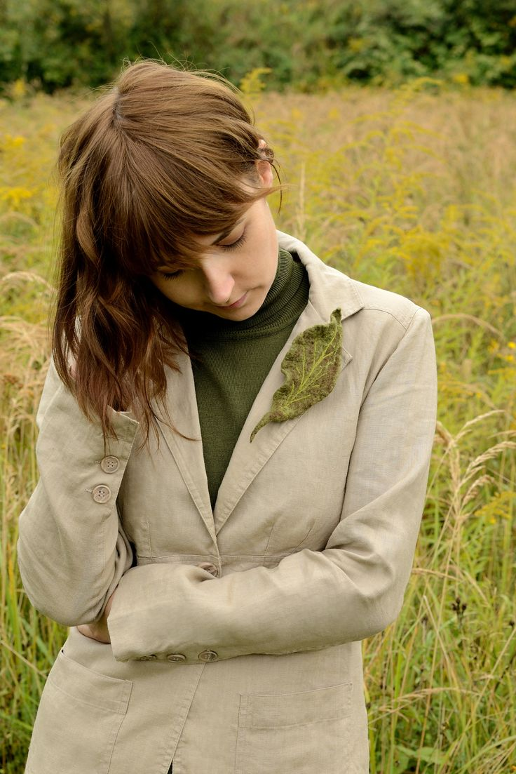 Green leaf brooch is perfect for any time of the year :)