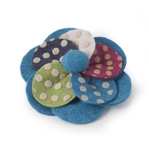 SPILLA POIS BLU  -  Spilla in lana cotta stampata a pois. Diam: 9 cm.