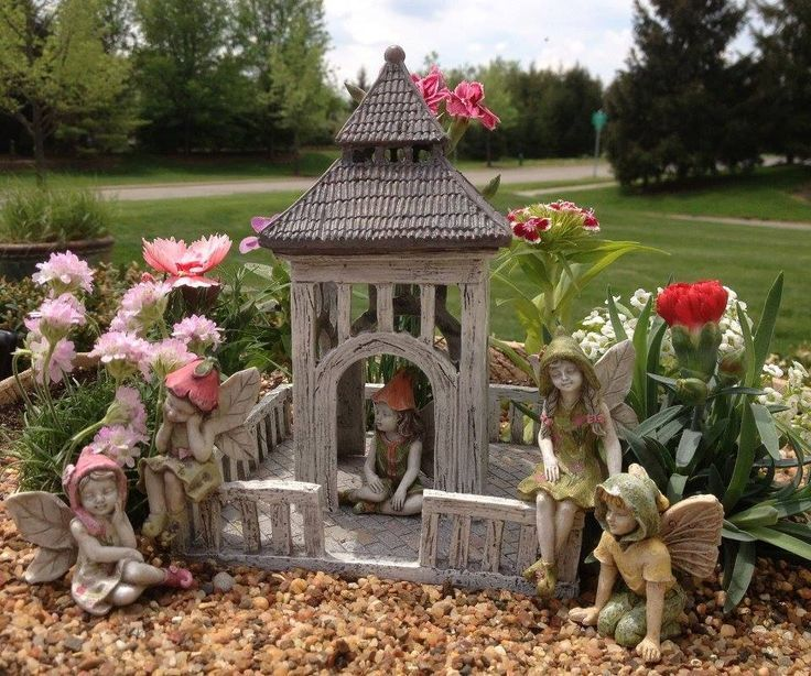 Large Fairy Garden Ideas fairy garden by onycha hows about this for your back 78 Best Ideas About Large Fairy Garden On Pinterest Diy Fairy House Fairy Houses