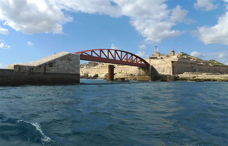 arenas asociados reconstructs historic fort st. elmo footbridge in malta
