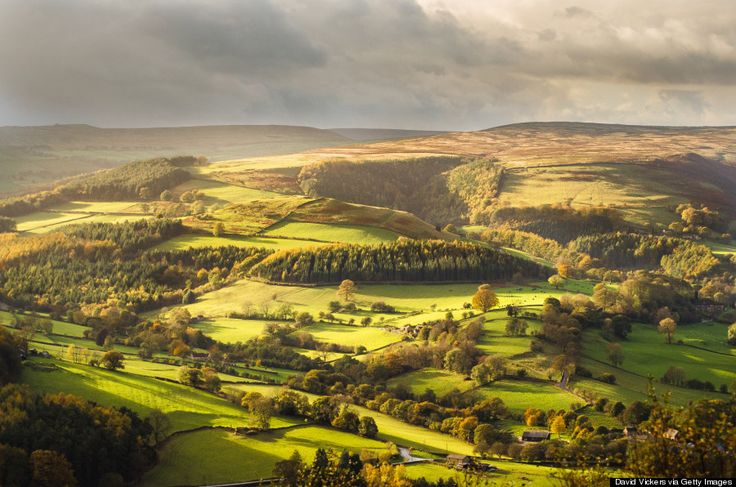 The Peak District is yet another beautiful area of the UK that you must explore. The area spans parts of Cheshire, Derbyshire, Staffordshire and Yorkshire. The area offers tons of wilderness to explore, with urban escapes nearby. Whether your explore on bike, foot or horseback, stunning views are ensured.