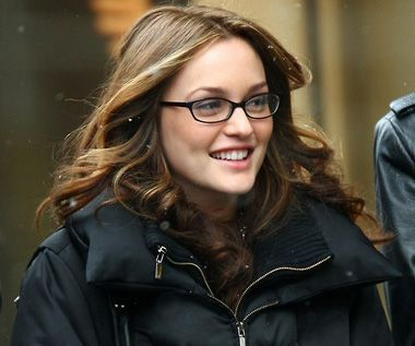 Black Frame Glasses Celebrities Wear : 84 best Celebrities wearing glasses images on Pinterest