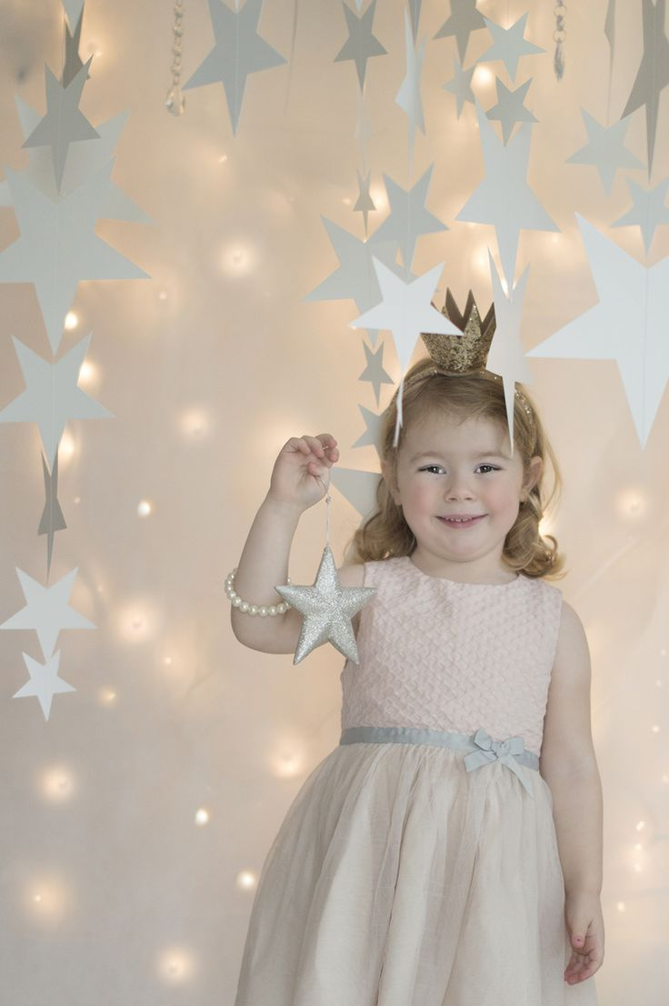 Christmas kids photography by I live in Ireland Photography. Winter photo session. Fairy lights.
