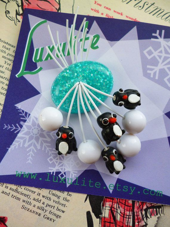 Luxulite Winter Collection - Handmade 40s 50sconfetti lucite style novelty penguin and snowballs brooch by Luxulite