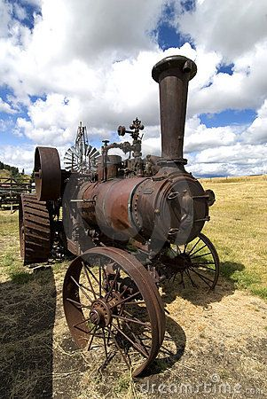 This image shows an old steam tractor.
