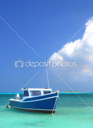 Рыбацкая лодка на Арубе — Стоковое фото © HHLtDave5 #6129004