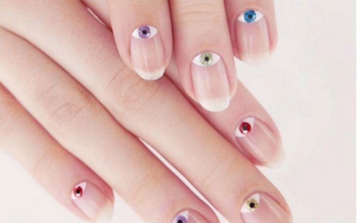 Nuovo look per le unghie? Prova la nail art-amuleto con l'occhio di Allah…
