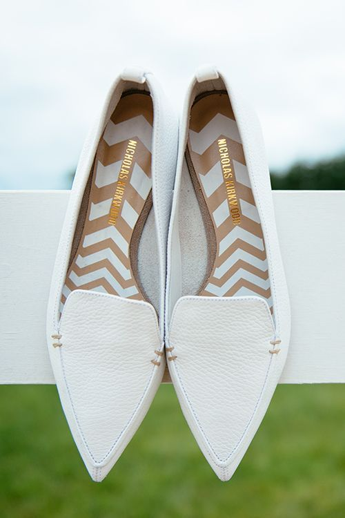 We found it. The perfect pointy flats. | Nicholas Kirkwood White Grained Leather Pointed Loafer